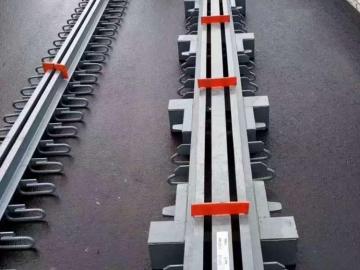 桥梁伸缩装置 桥梁伸缩缝胶条和拆装扳手撬棍【科运】